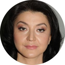 Галина, старшая операционная сестра Института красоты